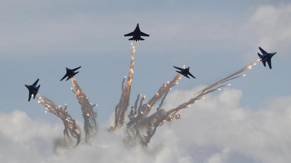 الطيران التركي يدخل على خط المعارك