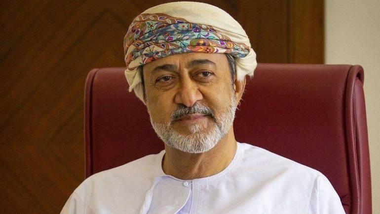 """سلطان عمان """"بن طارق"""" يمتدح اليمن"""