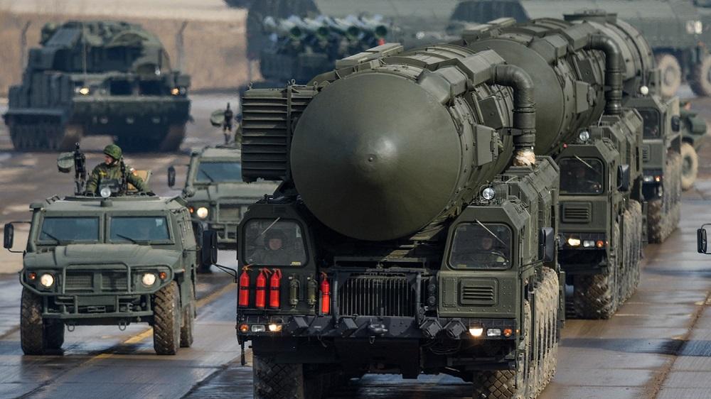 ضربات صاروخية عنيفة وكثيفة تستهدف إيران