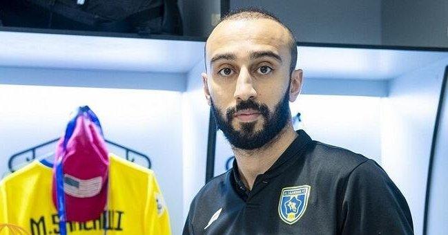 تغريدة تكلف لاعب سعودي 50 الف